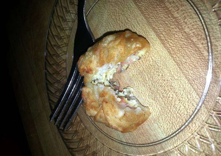 Crunchy Scrambled Egg Wontons