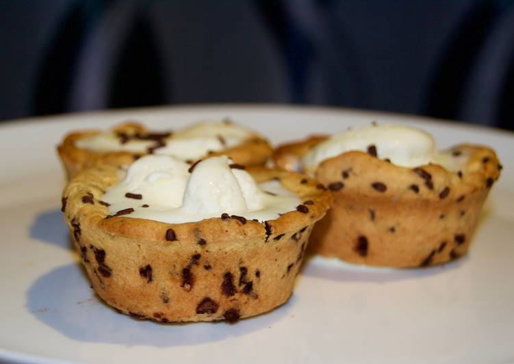 Ice Cream Stuffed Cookie Cups