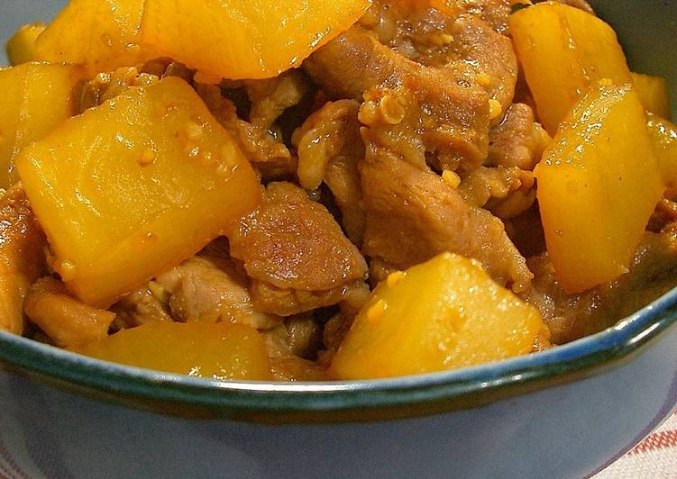Stewed in the Microwave Daikon Radish and Pork Rich Stir-Fry
