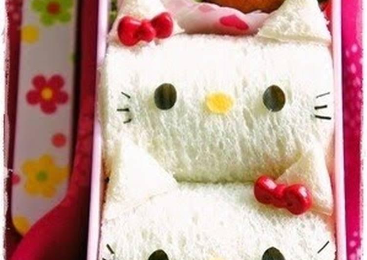 15 Minute Steps to Make Speedy Hello Kitty Sandwich Bento