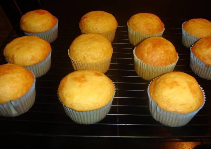 Recipe of Favorite Basic American-Style Cupcakes