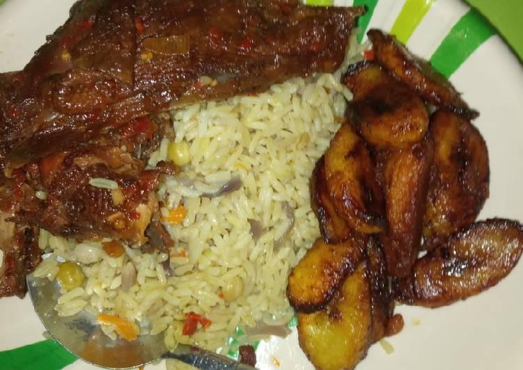 Fried rice pepper chicken en plaintain