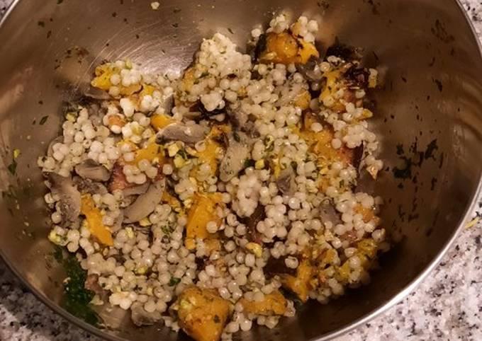 Salade au perle de couscous et a la courge grillée