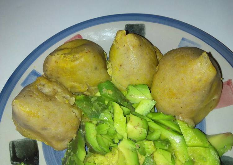 Try Using Food to Improve Your Mood Plantain and corn pubbing with avacado
