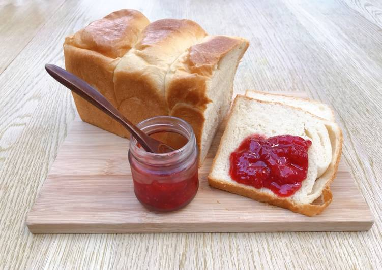 Super simple homemade strawberry jam