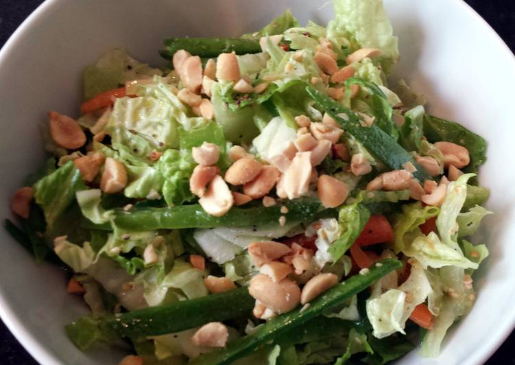 Healthy Recipe: Appetizing Asian salad with a kick