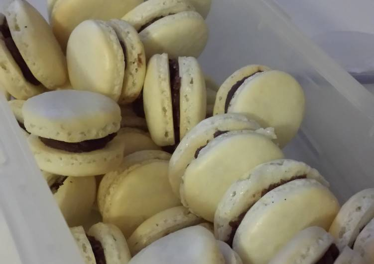 Step-by-Step Guide to Make Award-winning French Macarons w/ Brigadeiro Filling