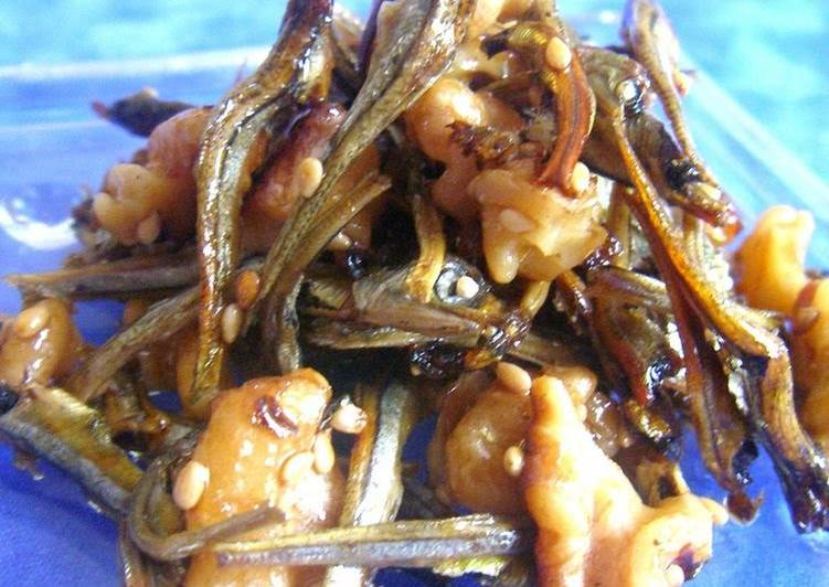 Recipe of Perfect Candied Dried Young Anchovies with Lots of Walnuts