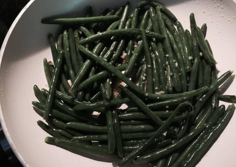 Sautéd Green Beans With Garlic