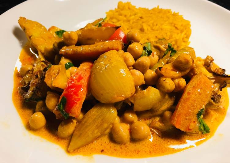 Everyday of 7 vegetable and chickpea curry traybake