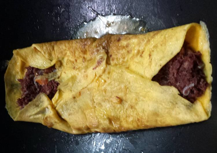 Recipe: Perfect Nanay's Corned Beef Omelet