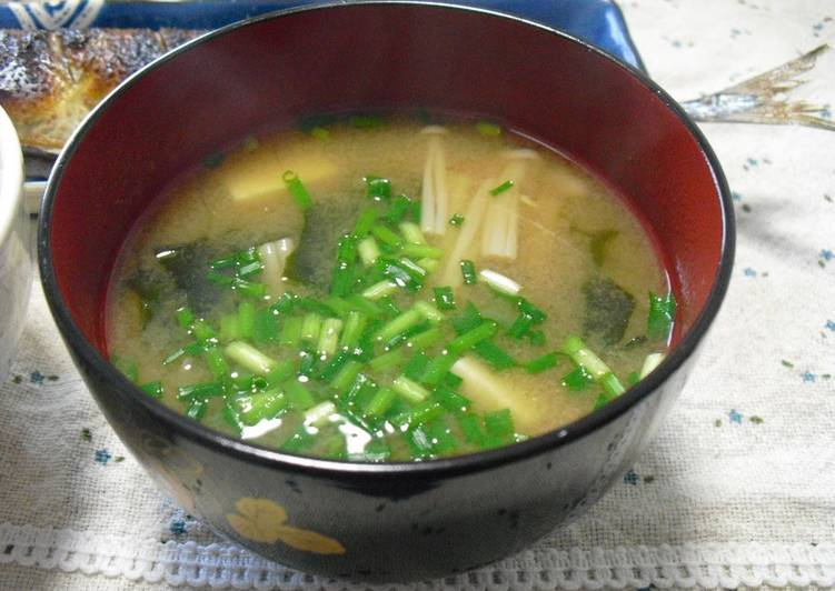 How to Make Super Quick Homemade My Family's Staple Dish Enoki Mushroom Miso Soup
