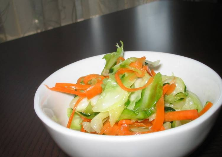 Recipe of Award-winning A Pickled Salad with Delicious Vegetables