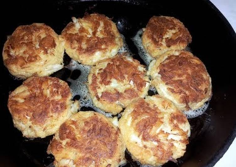 Try Using Food to Elevate Your Mood Chef Warren's Jumbo Lump Crabcakes