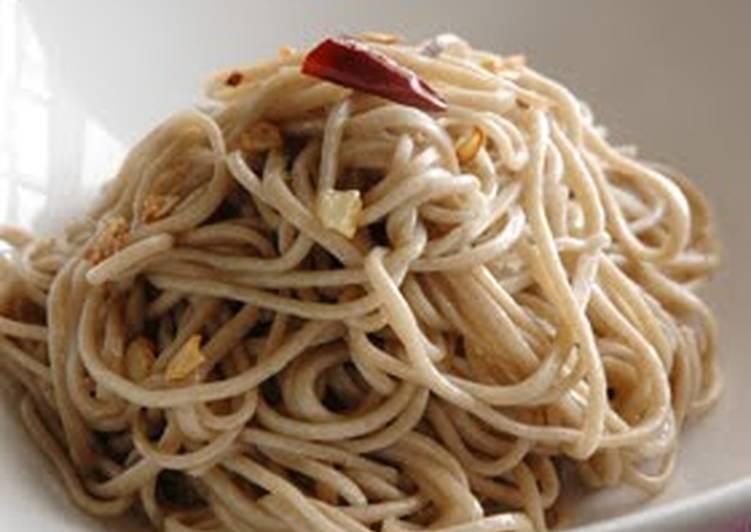 Recipe of Homemade Soba Noodle Aglio Olio e Peperoncino