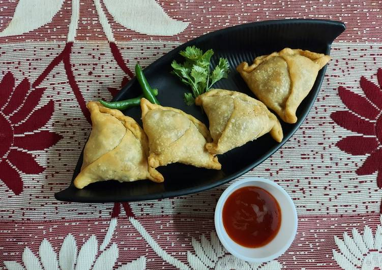 Spiced Onion Potato Stuffed Pastries or Samosa