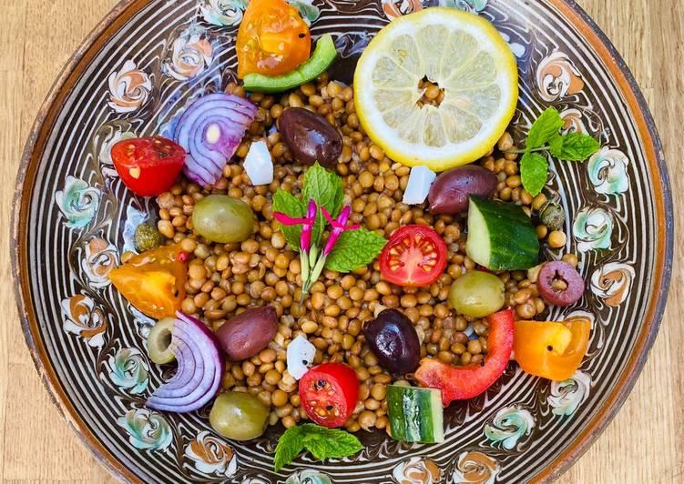 Recipe of Quick Greek Fakes Salata – Lentil and Summer Vegetable Salad 🌱