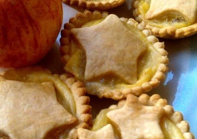 Vickys Individual Apple & Custard Pies, GF DF EF SF NF