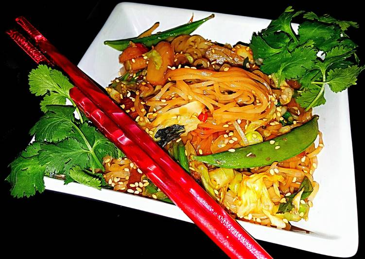 Recipe of Ultimate Mike's Spicy Garlic Sesame Rice Noodles
