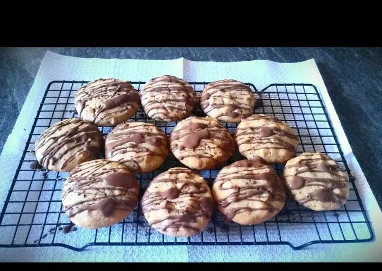 Step-by-Step Guide to Make Homemade Triple Chocolate Drizzle Cookies
