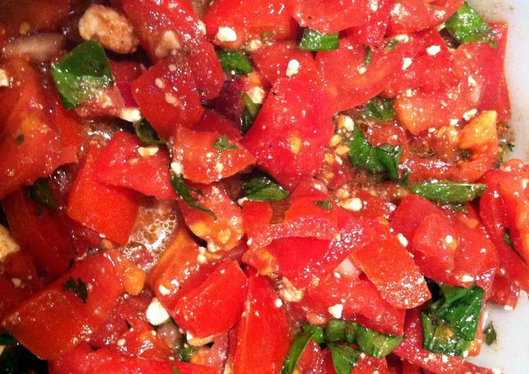 Step-by-Step Guide to Prepare Quick Tomato Feta Salad