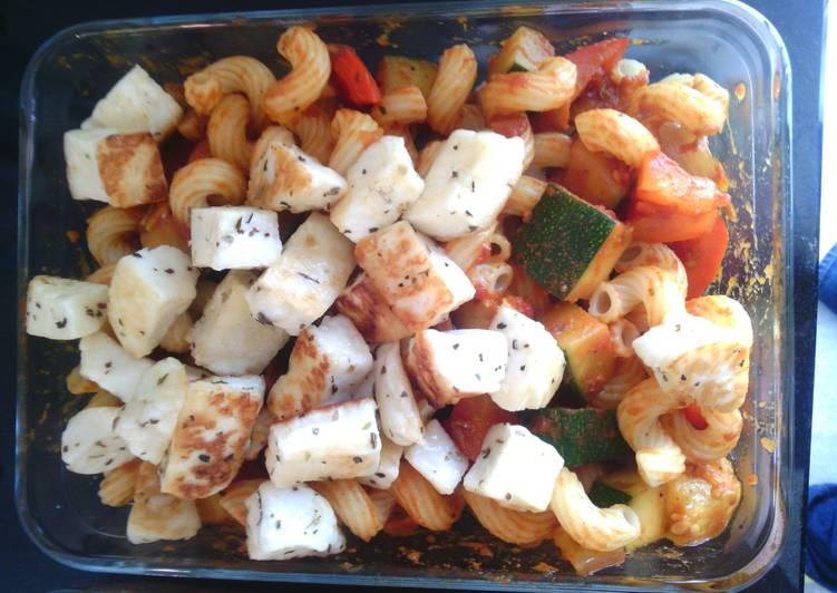 Steps to Prepare Super Quick Homemade Farfalle met Haloumi