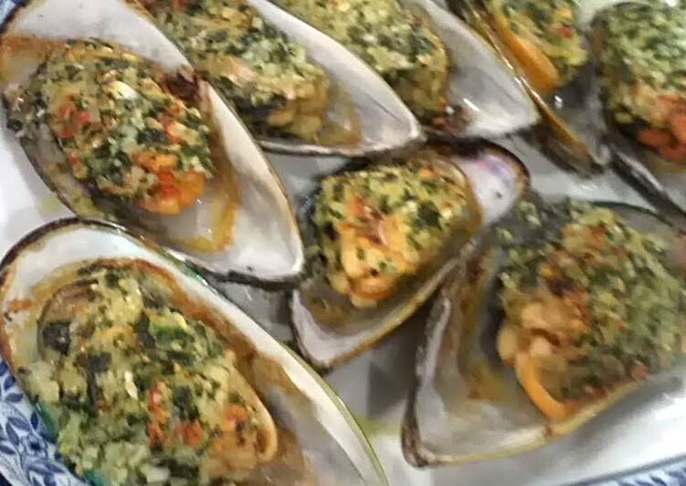 NZ Mussel baked with Garlic n Butter
