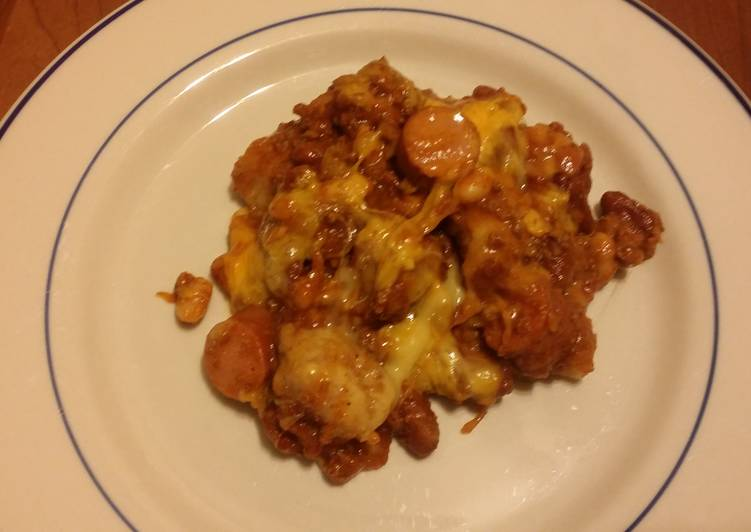 Taisen's chili cheese hot dog w/tots