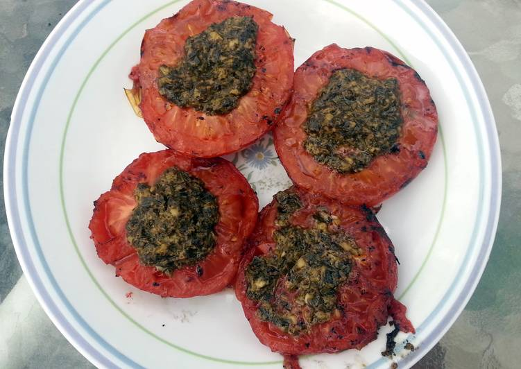 Grilled pesto tomatoes