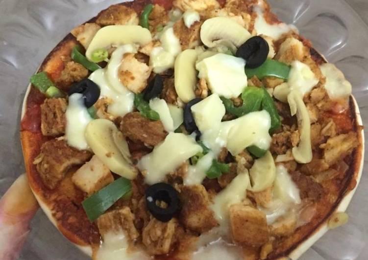Pizza with shawarma bread