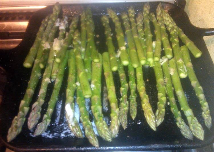 grilled asparagus w/ garlic & butter
