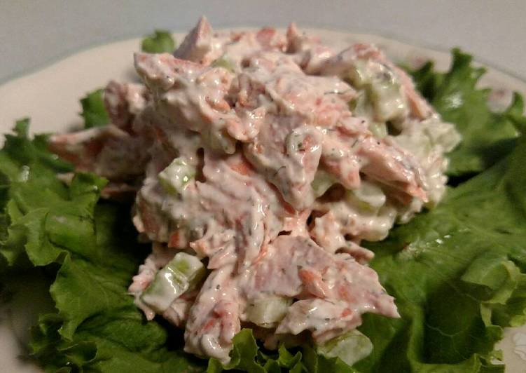 How to Prepare Perfect Salmon Salad