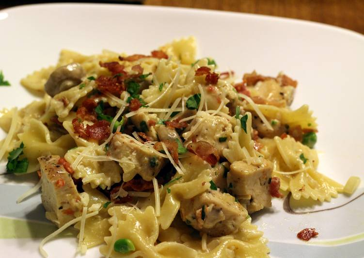 The Best Soft and Chewy Dinner Easy Winter Chicken and Farfalle Pasta in a Roasted Garlic Cream Sauce