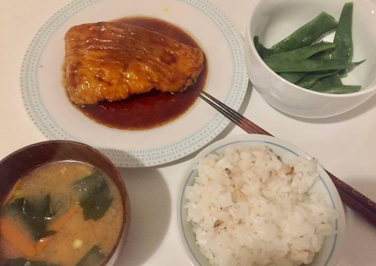 Recipe: Tasty Teriyaki salmon dinner