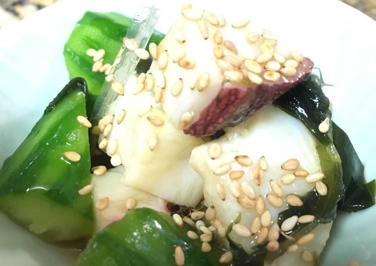 10 Minute Step-by-Step Guide to Prepare Diet Perfect Octopus, cucumber & seaweed salad (with Sanbaizu dressing)