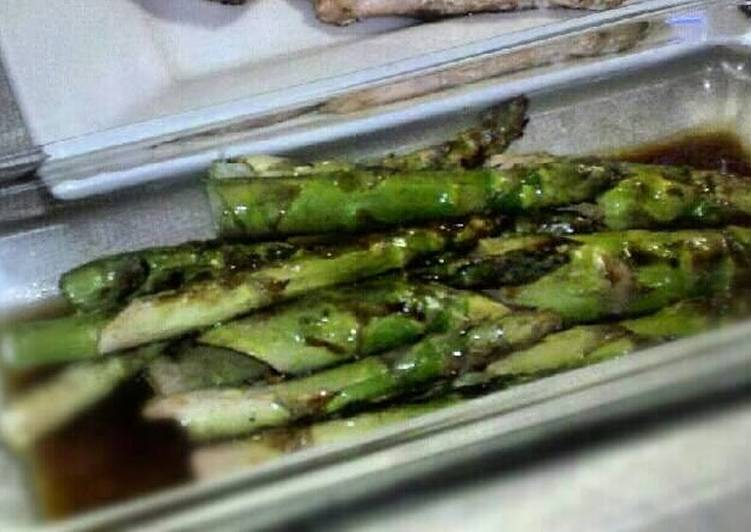 Recipe of Homemade Grilled Asparagus in Balsamic sauce