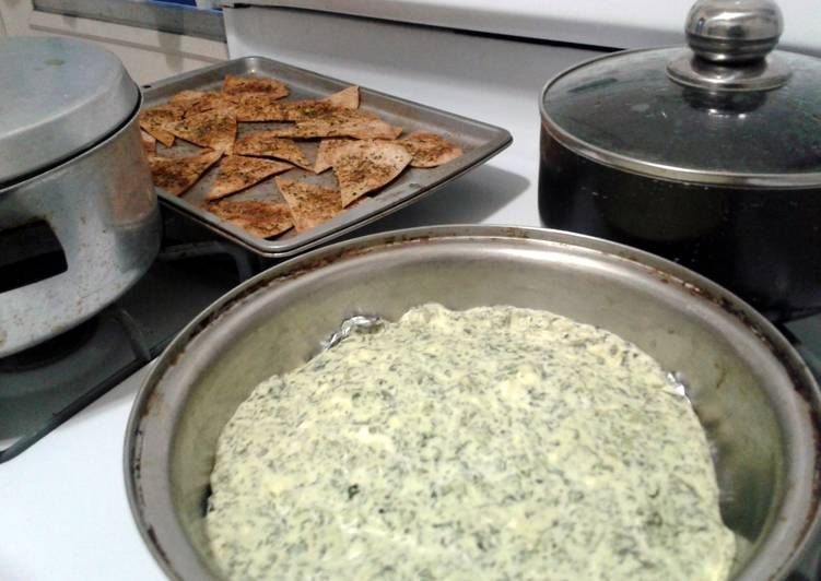 Recipe of Quick Spinach Feta Dip & Chips