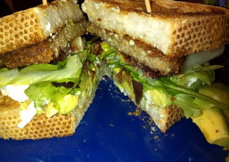 vhawks Bacon blue, w/ avo sandwich