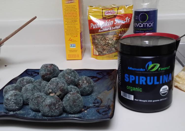 Easiest Way to Make Yummy Spirulina Energy Balls