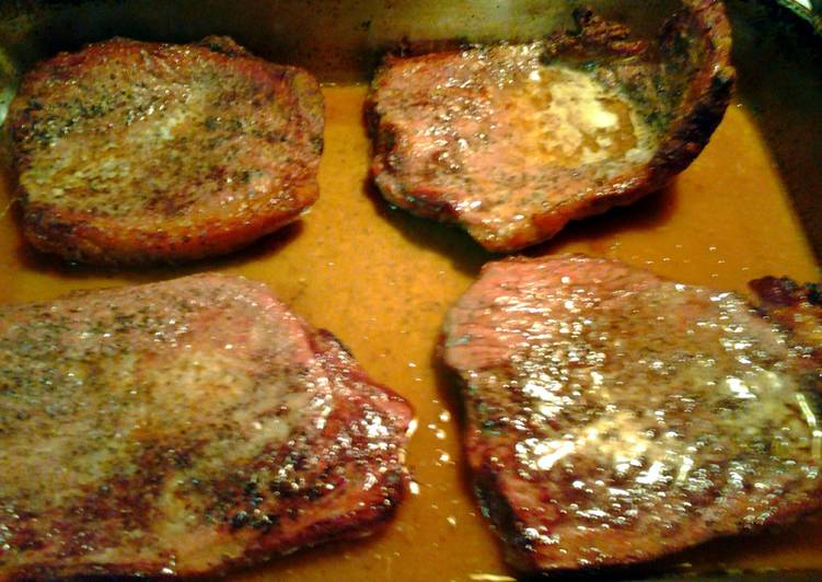 steak from the oven and gravy
