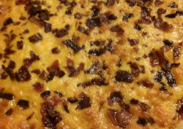 Nikki's Kickin' BBQ Chicken &Bacon Pizza