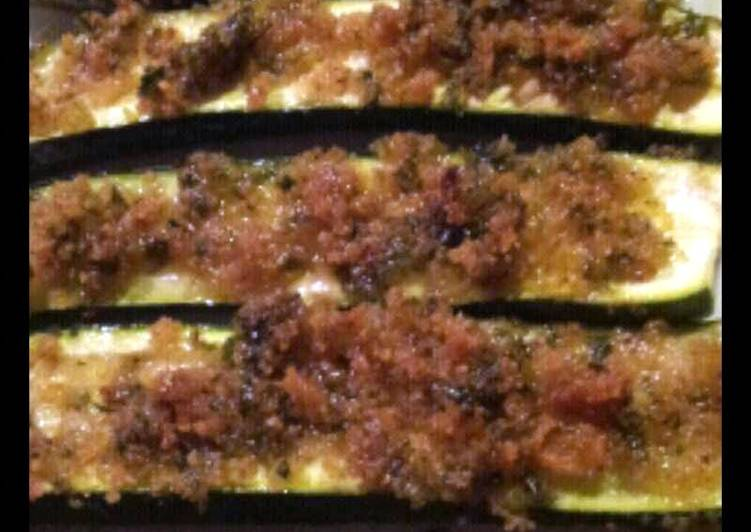 Easiest Way to Prepare Perfect AMIEs ZUCCHINI al FORNO (Baked Courgettes with Mint and Garlic Stuffing)