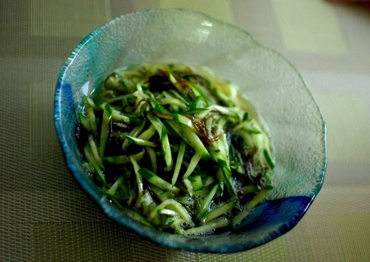 Dine These 25 Superfoods to Go Green for Better Health, Mozuku Seaweed & Cucumber