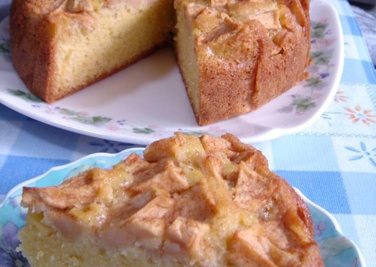 Quick, Easy, Delicious Apple Cake