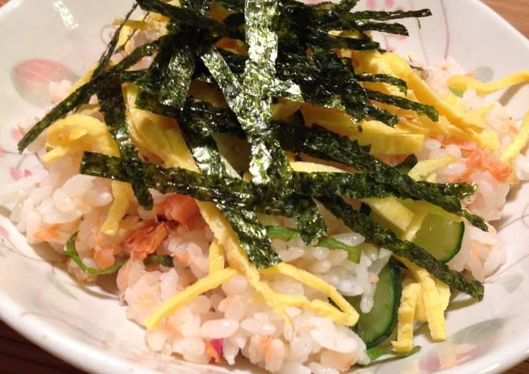 Easy Salmon Chirashi Sushi