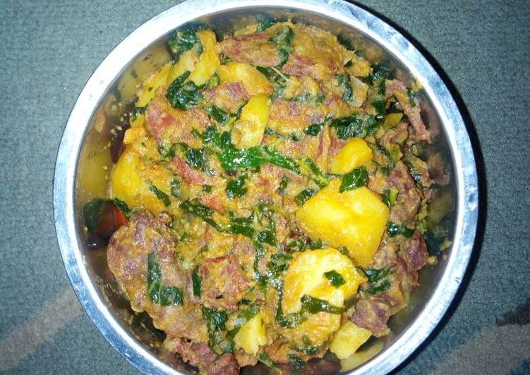 Irish potatoes and beef porrage Recipe by Blessing baby