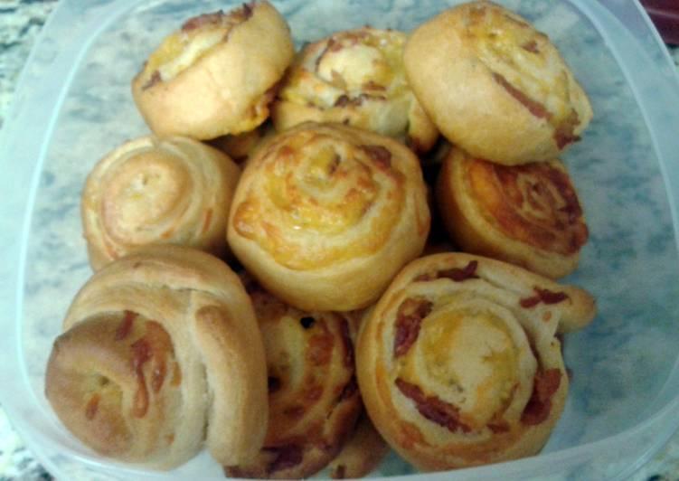 Bacon Cheddar Pinewheels