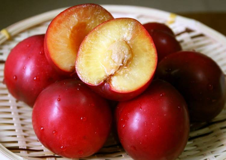 How to Prepare Super Quick Homemade How to Easily Remove Peach, Plum, or Apricot Pits