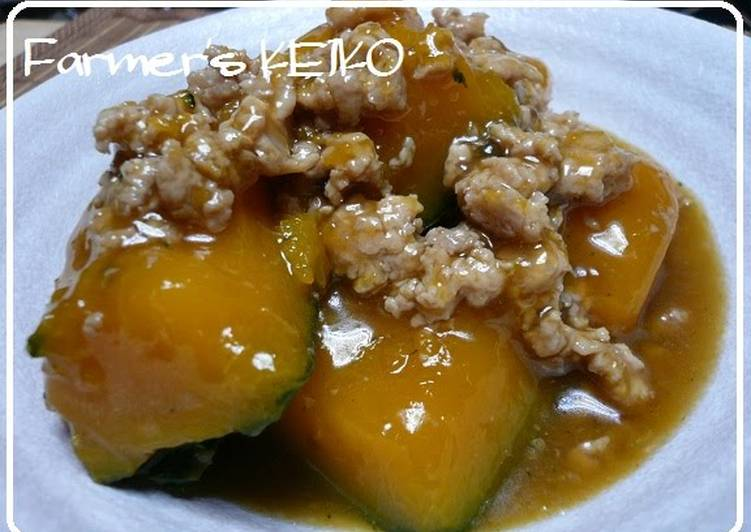 Recipe: Appetizing [Farmhouse Recipe] Kabocha Squash Simmered in Ground Chicken Soboro