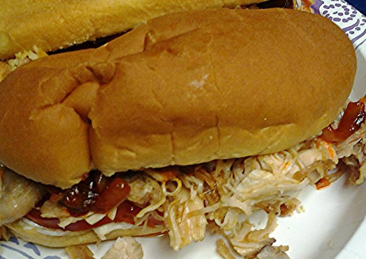 Leftover turkey sandwiches with spicy onions
